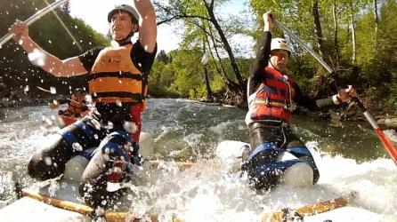 Наш MoveYourAss рафтинг на майские праздники по речке Черемош. Отличная погода, полноводная река и веселая компания